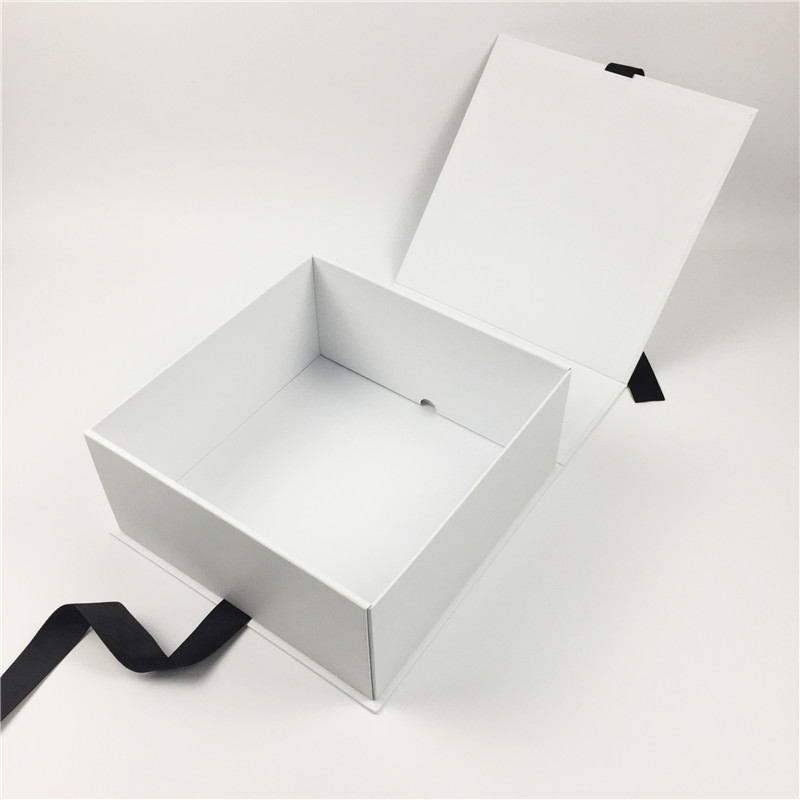 matt white rigid foldable box