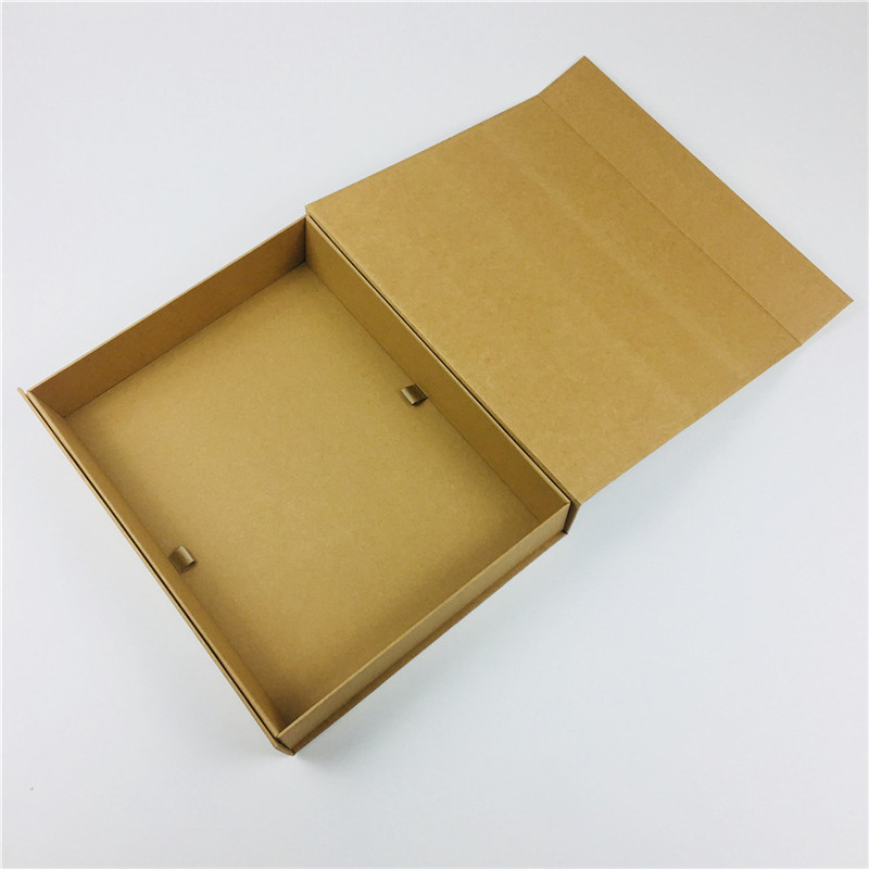 Magnetic closure Kraft Box