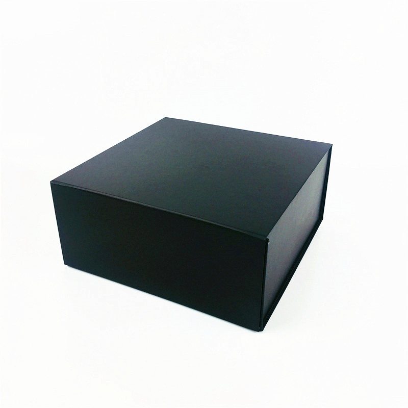 Personalized foldable flat presentation boxes