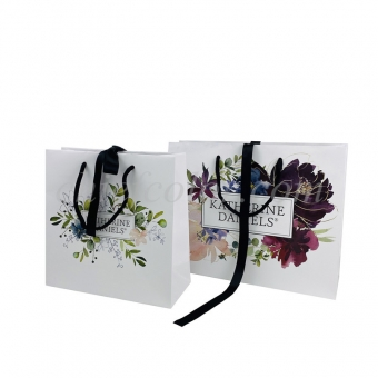 Ribbon handle gift bag