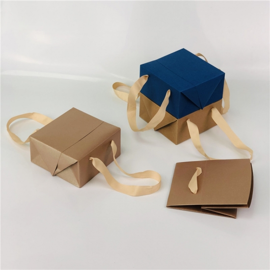 Luxury Laminated Chocolate Paper Bags With Printed Rope Handl